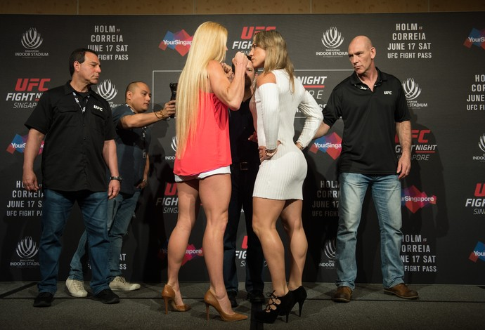 Bethe Correia, Holly Holm, UFC Singapura, MMA (Foto: Getty Images)