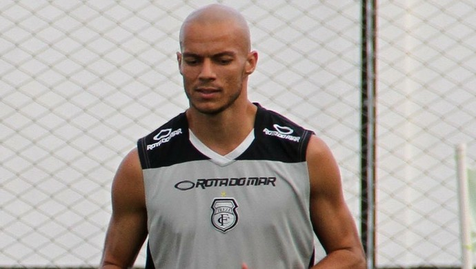 Oliveira, zagueiro do Treze (Foto: Nelsina Vitorino / Jornal da Paraíba)