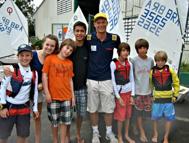 Robert Scheidt crianças vela (Foto: João Gabriel Rodrigues / GLOBOESPORTE.COM)