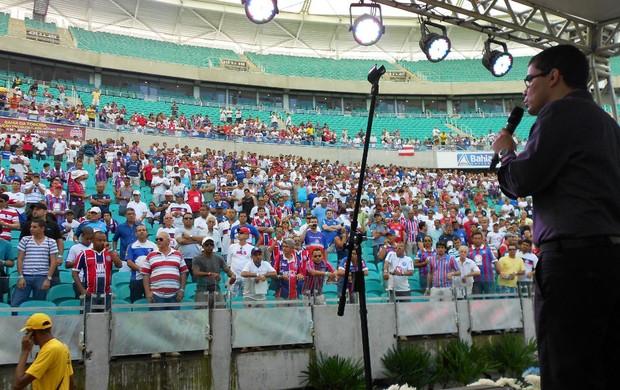 Sócios do Bahia lotam o setor oeste da Fonte Nova durante a Assembleia Geral do clube (Foto: Eric Luis Carvalho)