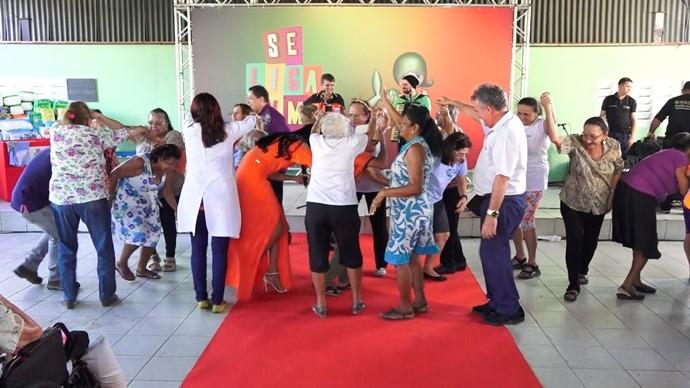 Dupla fez todo mundo dançar com os seus sucessos. (Foto: Se Liga VM)