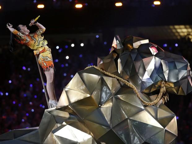Katy Perry canta no Super Bowl em Glendale, no Arizona, nos Estados Unidos (Foto: Lucy Nicholson/ Reuters)