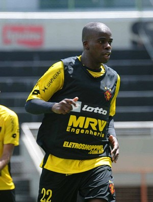 tobi sport treino (Foto: Aldo Carneiro / Pernambuco Press)