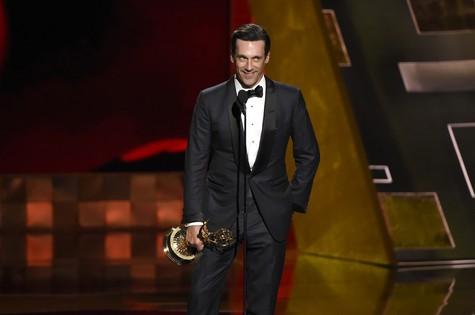 Jon Hamm no Emmy (Foto: Chris Pizzello/Invision/AP)