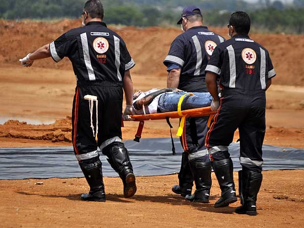 Exercício simula acidente aéreo com feridos e mortos no Aeroporto Internacional de Viracopos, em Campinas (Foto: Bárbara Bretanha/G1 Campinas)