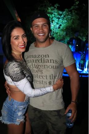 Bella Falconi e o marido, Ricardo Rocha, em evento em hotel em Jericoacoara, no Ceará (Foto: Fred Pontes/ Divulgação)