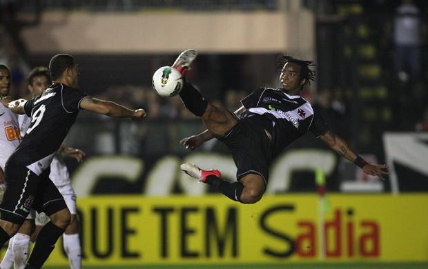 Carlos Alberto Vasco x Santos (Foto: Márcio Alves / O Globo)