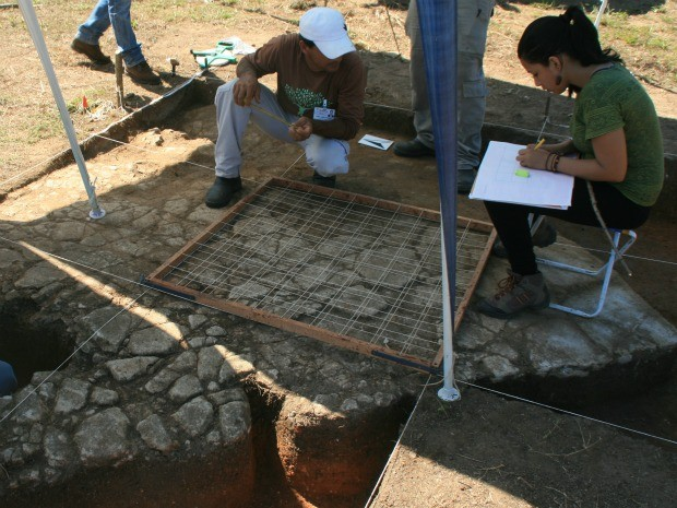 Pesquisadores identificam estruturas da antiga Vila de Santo Antônio. (Foto: Divulgação/Iphan)