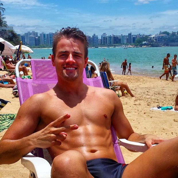 As melhores fotos de Rafael Licks do BBB 15 praia