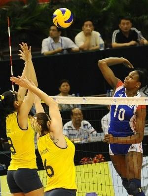 Jaqueline Thaísa Brasil vôlei Cuba Grand Prix (Foto: Divulgação/FIVB)