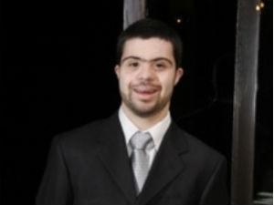João Vitor tem 25 anos e passou no vestibular na primeira tentativa  (Foto: Arquivo pessoal)