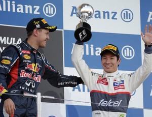 vettel Kobayashi fórmula 1 japão  (Foto: AP)