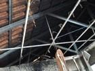 Incêndio atinge e destrói parte de residência em Jaú