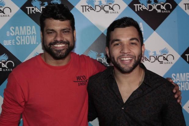 Rodrigo Amaral (produtor de eventos) e Jonathan Costa (Foto: Isac Luz/EGO)