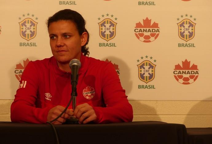 Sinclair durante entrevista na véspera do jogo contra o Brasil (Foto: Cíntia Barlem)