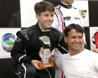 Fernando, de 15 anos, venceu na sua categoria (Foto: Reprodução RJTV 2ª Edição)