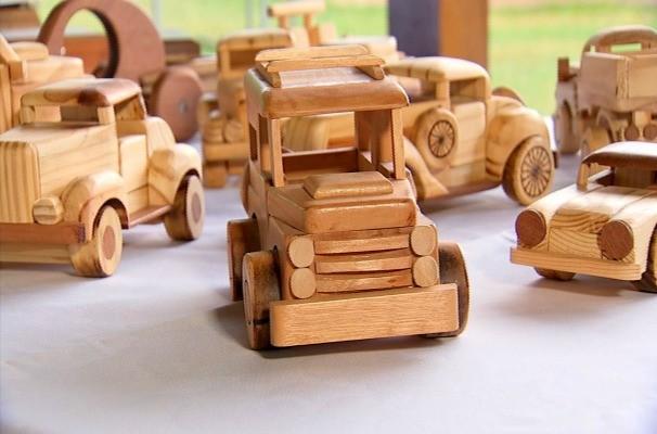 Artesanato Madeira Curitiba ~ Rede Globo> Nosso Campo A transformaç u00e3o de retalhos de madeira em objetos de decoraç u00e3o