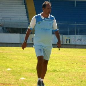 Luis dos Reis, técnico do Marília (Foto: Ricardo Prado / Marília AC)