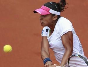 Teliana Pereira tênis Bogotá semi (Foto: Reuters)