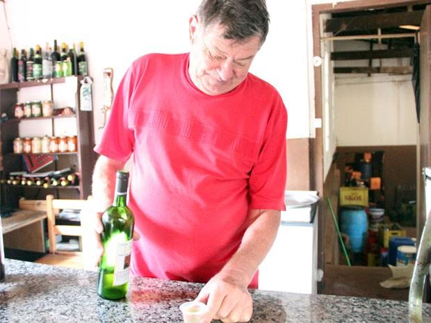 Joaquim Rubens Faria montou vinícola, pousada e restaurante (Foto: Jéssica Balbino/ G1)
