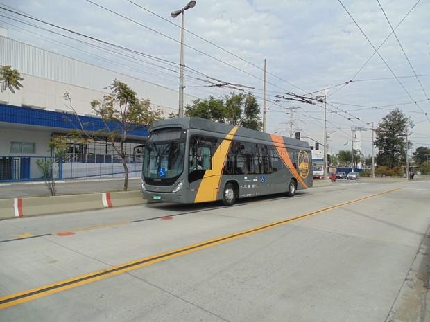 Ônibus 100% elétrico foi desenvolvido por pesquisadores da UFSC em Florianópolis (Foto: José Antônio do Nascimento/ Divulgação)