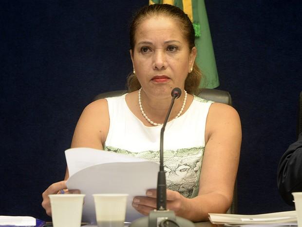 A relatora da CPI, deputada Janete de Sá, disse que os deputados receberam denuncias sobre cobranças irregulares de corridas de taxi (Foto: Reinaldo Carvalho/ ALES)