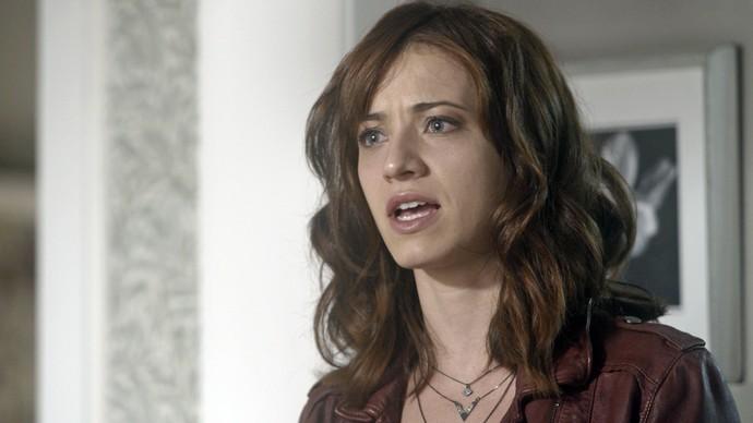 Ana Luiza saca que Elio é apaixonado por Isabela (Foto: TV Globo)