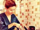 Prendada! Leona Cavalli mostra habilidade no café da manhã