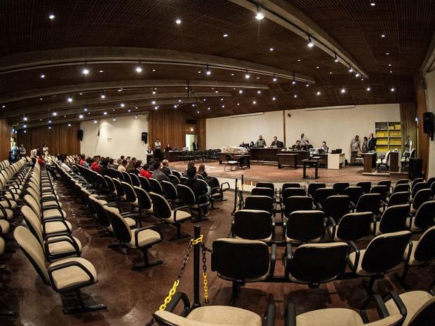 Plenário do Fórum da Barra Funda, na Zona Oeste de São Paulo, onde 26 policiais militares estão sendo julgados pelo caso que ficou conhecido há mais de 20 anos como Massacre do Carandiru. O julgamento foi retomado após ser adiado uma semana antes. (Foto: Marcelo Camargo/ABr)