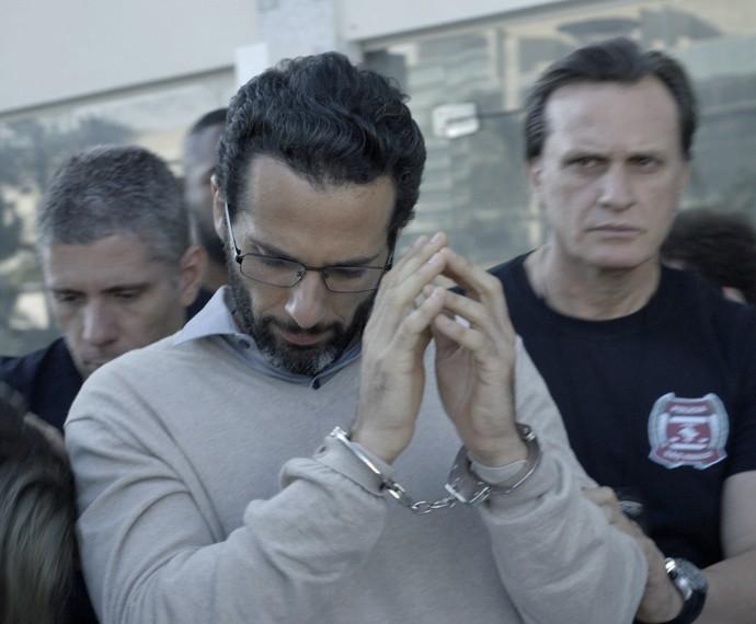 Everaldo vai parar atrás das grades (Foto: TV Globo)