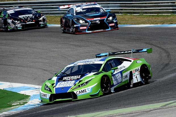 LAMBORGHINI GT3 da dupla Biagi e Venturini em P5 na corrida 1 (Foto: Divulgação/FOTOSPEEDY)