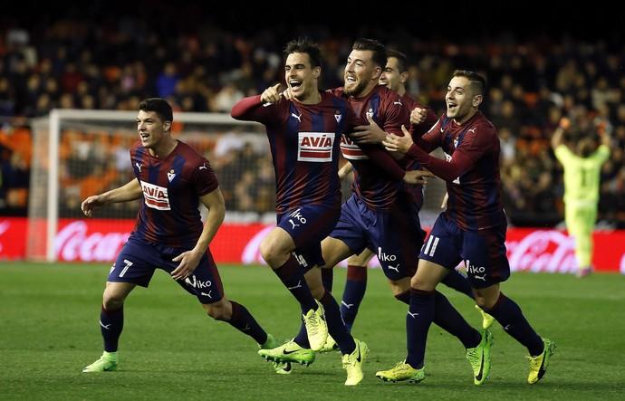 Dani García Eibar gol Valencia (Foto: Kai Försterling/EFE)