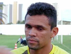 João Paulo, atacante do ABC (Foto: Carlos Arthur da Cruz/GloboEsporte.com)