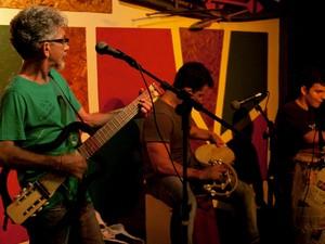'Hora Feliz' começa a partir das 18h, na Casa do Neuber, com artistas regionais (Foto: Divulgação)
