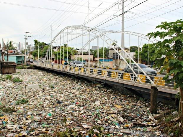 Ponte foi reinaugurada há pouco mais de um ano (Foto: Diego Toledano/ G1 AM)