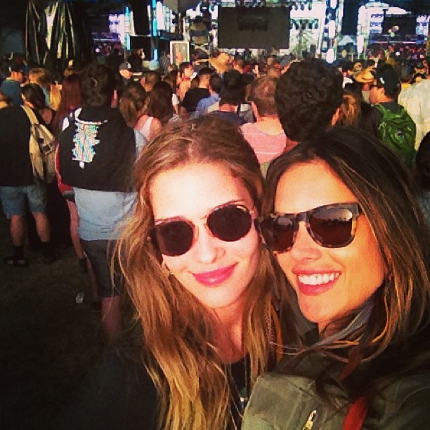 Ana Beatriz Barros e Alessandra Ambrósio no Coachella (Foto: Instagram/ Reprodução)