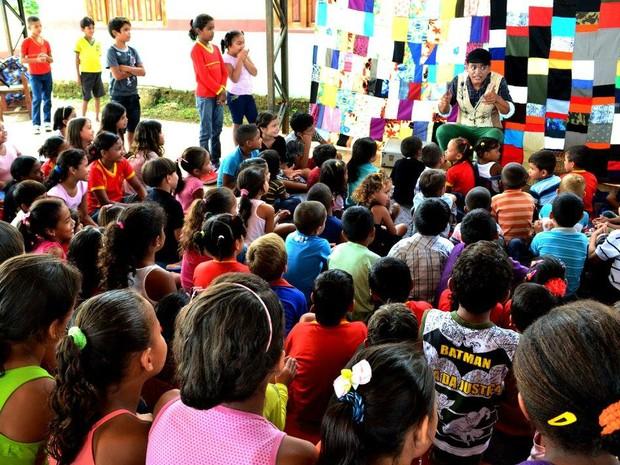 Espetáculos incentivam hábito da leitura em crianças (Foto: Paulo Rocha/Divulgação)