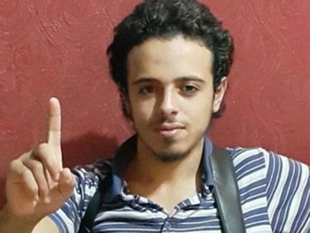 Foto não datada de Bilal Hadfi, terrorista que se explodiu do lado de fora do Stade de France no dia 13 de novembro (Foto: AFP Photo)