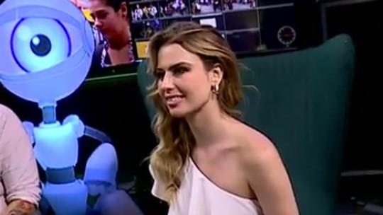 Fernanda Keulla diz que apesar do prêmio principal do 'BBB13' ainda dá duro: 'Trabalho muito'