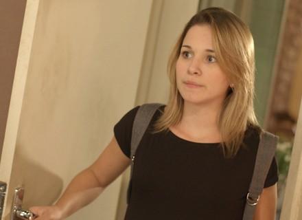 Jéssica corre atrás de Luciana para contar bafão