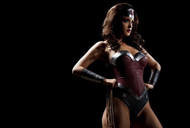 Com enredos de super-heróis, como a Mulher-Maravilha, paródias pornôs voltaram a ser um nicho popular no mercado adulto (Foto: Vivid Entertainment Group/AP)