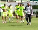 Márcio, Felipe Macedo e Marcão são novidades em treino coletivo do Goiás