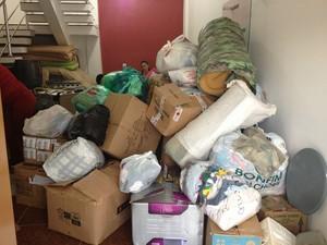 Donativos estão sendo arrecadados em Ariquemes e Monte Megro (Foto: Franciele do Vale/G1)