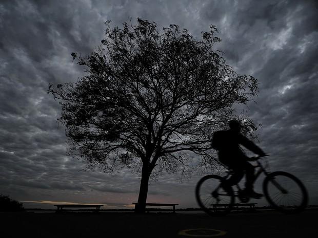 Prefeitura de Porto Alegre alerta população para frio recorde nos próximos dias (Foto: Ricardo Duarte/Agência RBS)