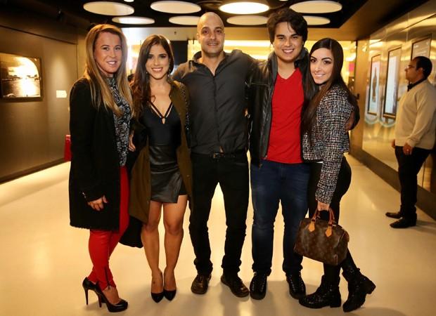 Zilu, Camilla Camargo, Leonardo Lessa, Igor Camargo e Amabylle Eiroa (Foto: Manuela Scarpa/Brazil News)