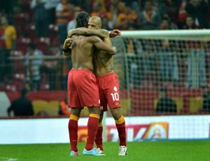 Felipe Melo e Drogba gol Galatasaray (Foto: Reprodução / Site Oficial do Galatasaray)