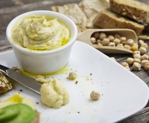 Anote a receita de uma saborosa pasta de grão-de-bico (Foto: Divulgação/RPC)