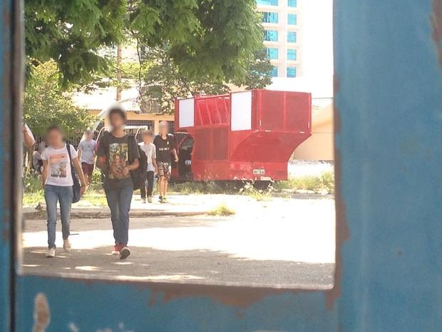 Estudantes ocupam escola pública contra terceiração da educação em Goiás (Foto: Vanessa Martins/G1)