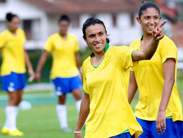 marta no treino da seleção brasileira (Foto: Divulgação / CBF)