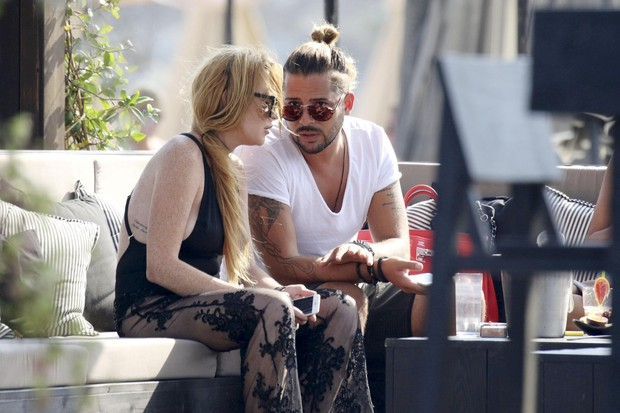 Lindsay Lohan e Dennis Papageorgiou (Foto: The Grosby Group)